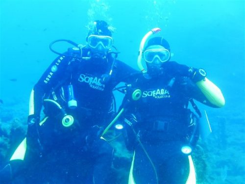 Idée Cadeau Atao Plongée Martinique : catamaran sous l'eau 4