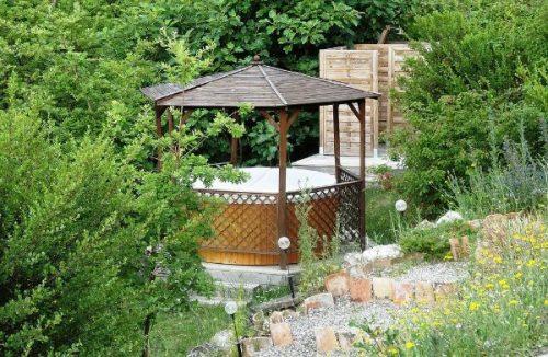 Idée Cadeau séjour les gouttes d'eau Labastide de Penne : jacuzzi