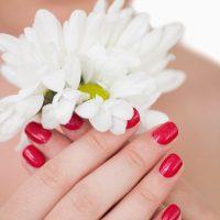 Idée Cadeau Amelie Esthéticienne à domicile Périgueux : main scintillante