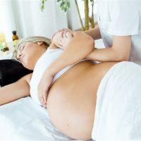 Idée Cadeau aux delices sensoriels les Pennes Mirabeau : massage femme enceinte