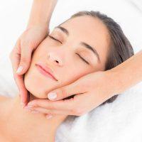 Idée Cadeau Rêves de Beauté à Veauche : soin massage visage éclat