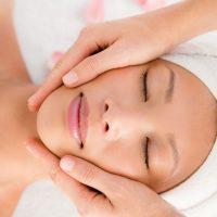 Idée Cadeau Rêves de Beauté à Veauche : soin massage visage kobido