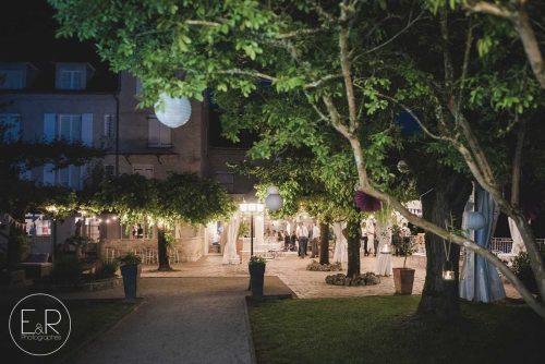 Idée Cadeau Hôtel Domaine les Falaises Martel terrasse nuit