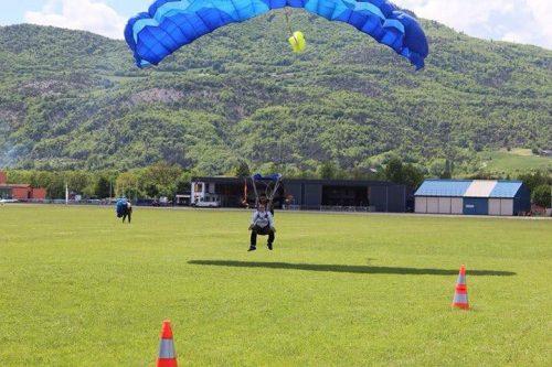 Idée Cadeau Skydive Center Gap Tallard - saut parachute atterrissage