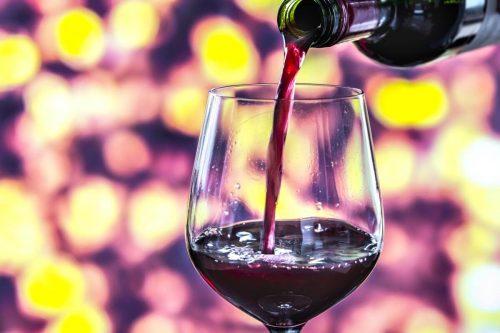 Idée Cadeau le secret des papilles à Saumur - cours oenologie verre de vin