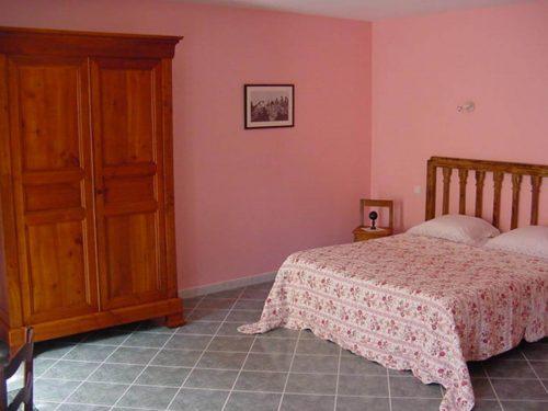 Idée Cadeau Chambres d'hôtes St-Nicolas à Vézinnes : chambre rose