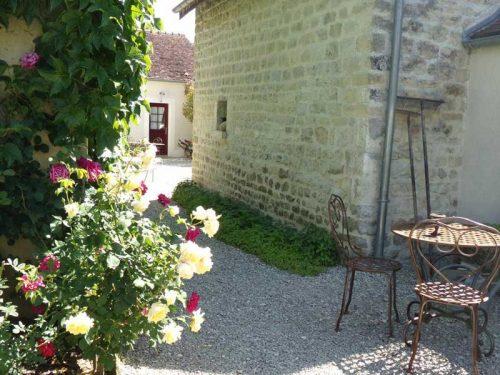Idée Cadeau Chambres d'hôtes St-Nicolas à Vézinnes : exterieur