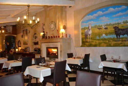 Idée Cadeau hôtel le Mas de la Fenière à Arles : restaurant 1