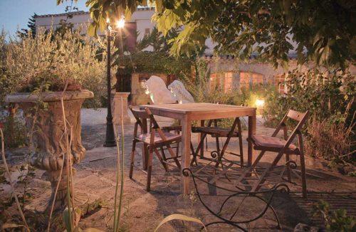 Idée Cadeau hôtel le Mas de la Fenière à Arles : terrasse