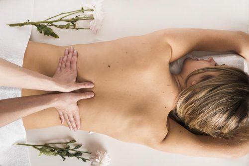 Idée Cadeau hôtel spa Moulin de Moissac proche Montauban : massage californien