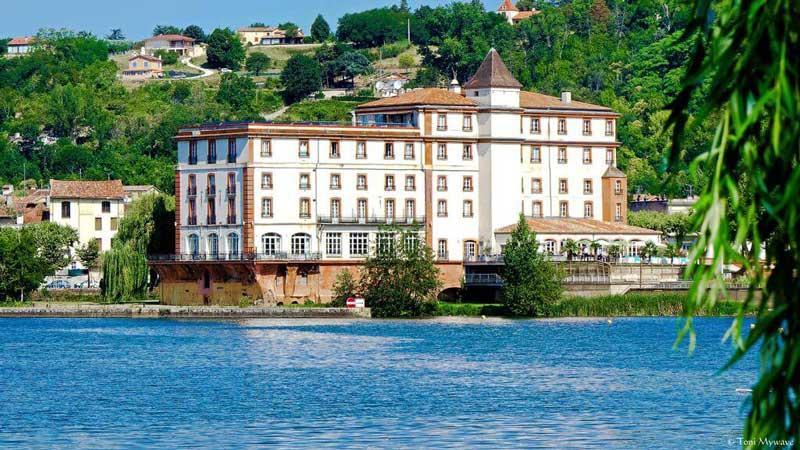 Idée Cadeau hôtel spa Moulin de Moissac proche Montauban : rituel vue sur le Tarn