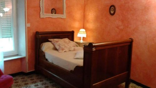 Idée Cadeau la Maison de Josepha Ferrals-les-Corbières chambre-campagne : lit simple