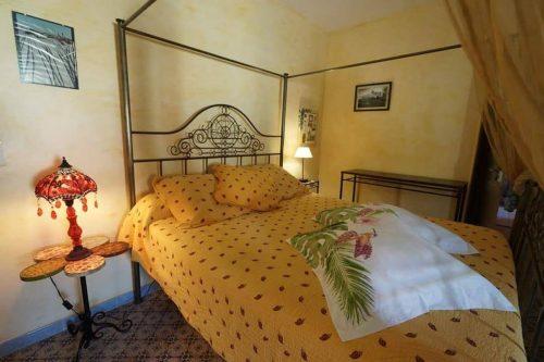 Idée Cadeau la Maison de Josepha Ferrals-les-Corbières chambre moisson : lit double