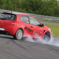 Idée Cadeau Rallye Roots-à Nœux-les-Mines : drift Clio RS 2