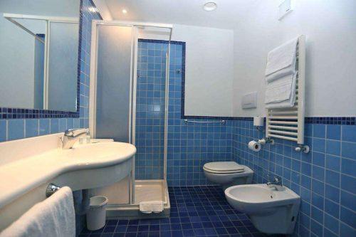 Idée Cadeau Express Hotel Aoste Italie Salle de Bain