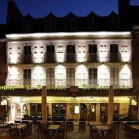 Idée Cadeau Hôtel Le Challonge Dinan facade