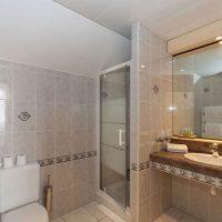 Idée Cadeau Hôtel Le Challonge Dinan salle d'eau