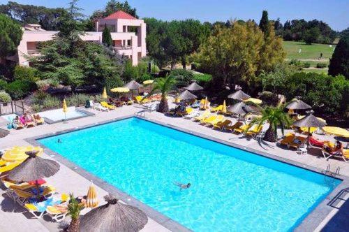 Idée Cadeau Michel Delbos PGA Lyon Hotel Resort Golf de Montpellier Massane - Piscine