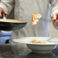 Idée Cadeau le Relais du Bastidou Beaumarchés en cuisine