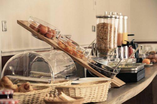 Idée Cadeau Best Western Plus Hôtel Hyères Côte d'Azur le petit déjeuner