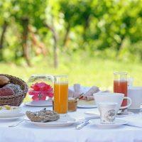 Idée Cadeau Château de Salettes Cahuzac-sur-Vère le petit déjeuner