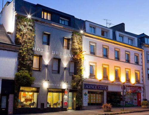 Idée Cadeau Hôtel de France et d'Europe Concarneau Façade Nocturne