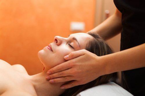 Idée Cadeau Modelages du monde by Aurel Montigny-lès-Metz massage visage