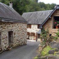Idée Cadeau Moulin de Chassaing Condat-sur-Ganaveix vue des batisses
