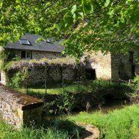 Idée Cadeau Moulin de Chassaing Condat-sur-Ganaveix vue jardin