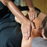 Idée Cadeau Toenga Massages Bien-être à domiclie Val-de-Marne Massage épaule dos