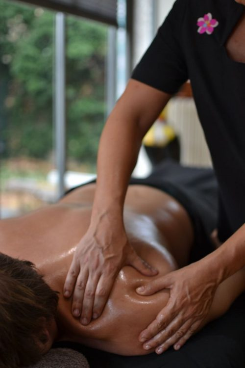 Idée Cadeau Toenga Massages Bien-être à domiclie Val-de-Marne massage épaule