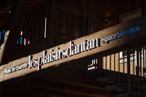 Idée Cadeau Les Plaisirs d'Antan Jovencan Aosta Italie - L'enseigne extérieur