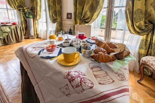 Idée Cadeau Chateau du Comte Saint-Nazaire-d'Aude - le petit dejeuner