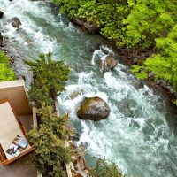 Idée Cadeau Hôtel Athéna Brides-les-Bains - vue sur la rivière
