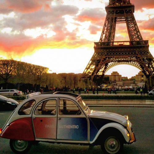 Idée Cadeau Paris Authentic - la 2cv tour effeil