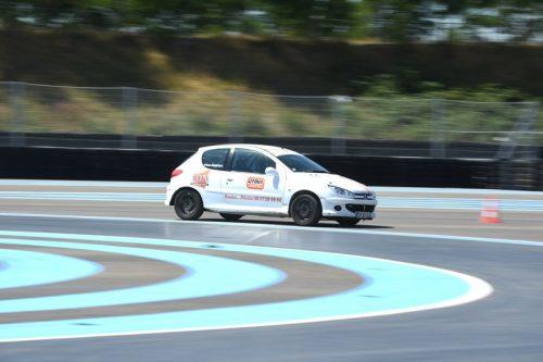 Idée Cadeau Patricia Bertapelle Atout Vitesse Richwiller - Peugeot 206 S16 sur circuit