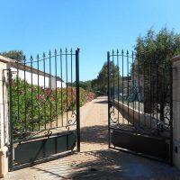 Idée Cadeau Le Clos des Cigales Massillargues-Attuech - le portail