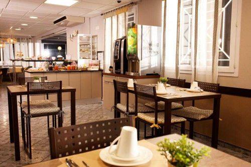 Idée Cadeau Hotel le Monestié Boujan-sur-Libron - salle petit dejeuner