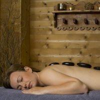 Idée Cadeau Hotel les Grands Montets Chamonix - Massage Pierres Chaudes