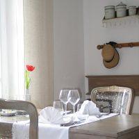 Idée Cadeau Le Lezard Gourmand Eygalieres - Table pour 2 intérieur