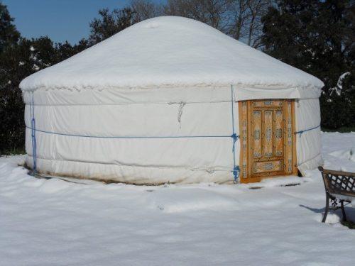 Idée Cadeau La Maison de Verotte Claira - une yourte en hiver