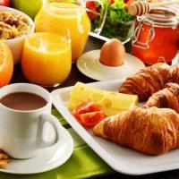 Idée Cadeau Le Colombier de Kerguezec Surzur - petit dejeuner