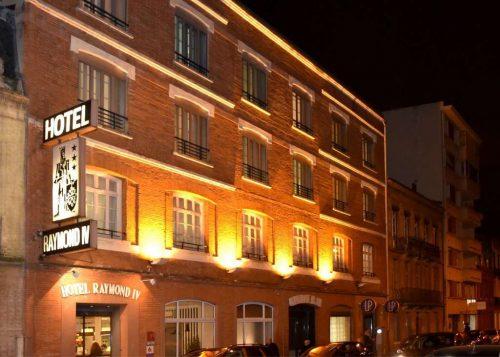 Idée Cadeau Hotel Raymond 4 Toulouse - Facade de nuit